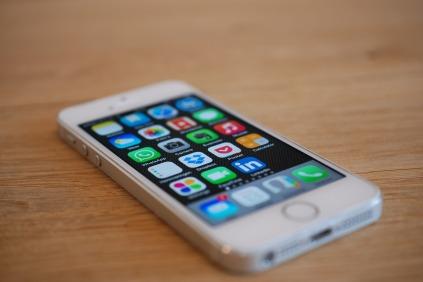 iphone-676767_1280