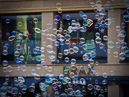 soap-bubbles-1211087_1280